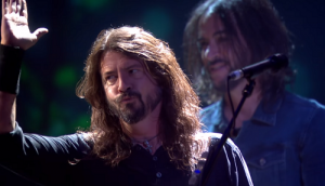 Nyertesként és fellépőként is meghódította a Brit Awards díjátadóját a Foo Fighters